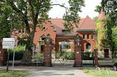 Offizierskasino/Offiziers-Speiseanstalt, Husarenkaserne in Torgau; erbaut 1901, ausgeführt nach Entwurf des Königl. Kriegsministeriums, durch den Königl. Baurat Reimer, den Königl. Garnison-Bauinspektor Trautmann.