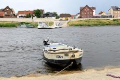 Fährverbindung mit einer Gierseilfähre über die Elbe / von Wartenburg nach Elster.