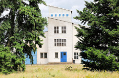 Moderne Industriearchitektur / Gewerbegebäude in Pretzsch (Elbe).