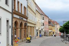 Blick vom Torgauer Markplatz in die Geschäftsstrasse / Bäckerstraße.