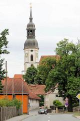Blick zur spätgotischen Stadtkirche Zum heiligen Leichnam / Corporis Christi. Dreischiffige Hallenkirche, Ersterwähnung der Kirche 1209.
