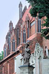 Kirche der Himmelfahrt der Jungfrau Maria in Toruń - gotischer Kirchenbau der Franziskaner aus dem 14. Jahrhundert.