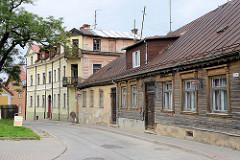 Historische Innenstadt / Altstadt von Cēsis, Lettland - Wohnhäuser in der Lielā Katrīnas iela.