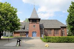 Kirchengebäude der ev. luth. Kirche von Meckelfeld, erbaut 1954.