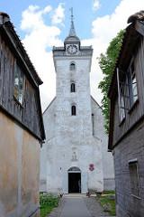 Römisch-katholische Kirche der Heiligen Dreifaltigkeit, erbaut 1640 - Kuldiga, Lettland.