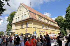 Historische Architektur in der Brückenstraße von Klaipėda / Litauen.