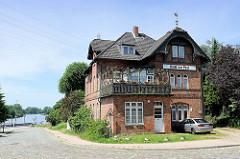 Hotel zur Post in Geesthacht - Ufer der Elbe.