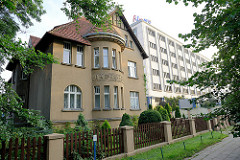Villa + moderner Hotelneubau / Alt + Neu, Grudziądzka / Toruń.