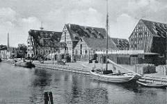 Altes Bild von der Speicherinsel in Elbląg / Elbing - Fachwerkgebäude, Fachwerkspeicher mit Krananlage / Getreideheber.