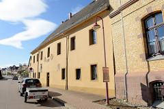 Historisches St. Georgen Hospital in der Sangershäusener Strasse von Mansfeld.