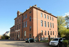 Backsteingebäude / historisches Ziegelgebäude - ehem. Gericht von Mansfeld, jetzt Nutzung als Kinderschloss mit Übernachtungsmöglichkeit.