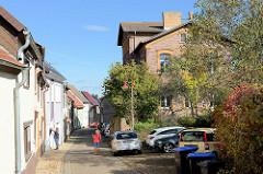 Schmale Gasse, Wohnhäuser in der Schulstraße von Mansfeld.