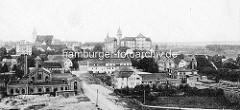 Historisches Panorama von Torgau - Blick auf das Schloß Hartenfels, re. die Elbbrücke.