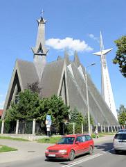 Kirche der Mutter Gottes, der Königin  von Polen, erbaut 1975 - Architekturbilder aus Elbląg / Elbing.