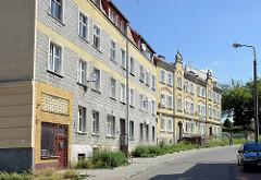 Wohnblocks unterschiedlicher Baustile - Architektur in Elbląg / Elbing.