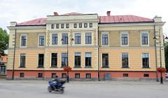 Rathaus von Cesis am Einheitsplatz.
