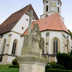 Spätgotischen Stadtkirche Zum heiligen Leichnam / Corporis Christi. Dreischiffige Hallenkirche, Ersterwähnung der Kirche 1209.