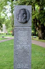 Denkmal für Janis Neiland, Theologe und Komponist in Valmiera.
