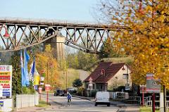 Alte Bahnbrücke in Mansfeld - Industriedenkmal / technisches Denkmal. Der Wipperliese Viadukt oder Hasselbach Viadukt  überspannt das Tal auf einer Länge von 250m und wurde 1918 in Betrieb genommen.