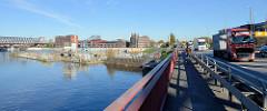 Blick von der Elbbrücke auf den Oberhafenkanal und Billhafen in Hamburg Rothenburgsort.