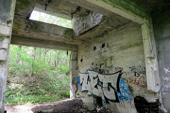 Ruinen der Pulverfabrik Düneberg / Dynamit AG auf dem Gelände in den Besenhorster Sandbergen bei Geesthacht.