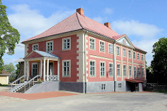 Stadtmuseum in Limbaži / Lemsal - ehem. Rathaus, restauriertes Gebäude in der Altstadt.