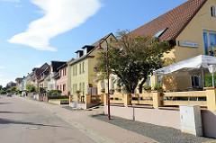 Gaststätte / Restaurant und Wohnhäuser in der Sangerhäuser Straße von Mansfeld.