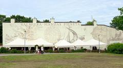 Fassadenbild - Valmiera, Hansestadt / Hanzas pilsēta - Wappen.