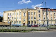 Blockbebauung - Schulgebäude / Lyceum an der Hauptstraße Pocztowa in Elbląg / Elbing.