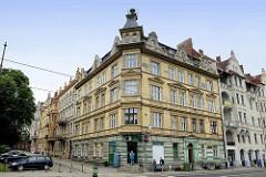 Gründzeitgebäude - mehrstöckige Wohnhäuser, erbaut 1898 in der Straße Warszawska von Toruń.