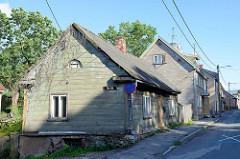 Häuserzeile, Straßenbebauung - Holzhäuser;  Architektur im Baltikum, Tartu.