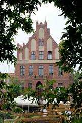 Altstadt von Toruń / Polen - Giebel vom Herrenhaus der Bruderschaft von St. Georg, erbaut 1489.