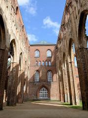 Ruinen der Domkirche / Tartu toomkirik; mittelalterliche gotische Kathedrale deren Bau im 13. Jahrhundert begonnen wurde.