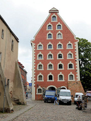Historische Architektur in der Altstadt / Getreidespeicher, erbaut zu Beginn des 17. Jhd. in Toruń.