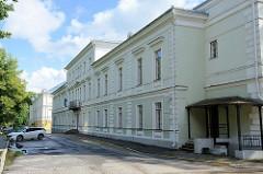 Gebäude des Estnischen Staatsgerichtshofs auf dem Domberg in Tartu - Baubeginn 1763 als Kaserne.