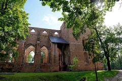 Ruine der Domkirche / Tartu toomkirik; mittelalterliche gotische Kathedrale deren Bau im 13. Jahrhundert begonnen wurde.