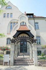 Jugendstilvilla mit Einfriedung - Wohnhaus unter Denkmalschutz stehend, Ratsweinberg in Meißen.