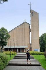 Moderne Kirchenarchitektur in Toruń - Pfarrei / Kirche Erzengel St. Michael und Bl Bronislaw Markiewicz.