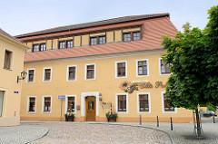 Gebäude der Alten Post am Markt von Belgern, erbaut um 1780; Baustil Barock - jetzt Nutzung als Tagespflege.