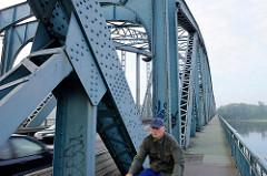 Eisenkonstruktion der Józef-Piłsudski-Brücke in Toruń; Fachwerkbrücke, erbaut 1934.