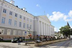 Hauptgebäude der Universität in Tartu.
