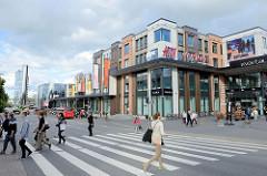 Geschäftsstraße Riia; Einkaufszentrum.