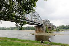 Eisenbahnbrücke über die Weichsel bei Toruń.