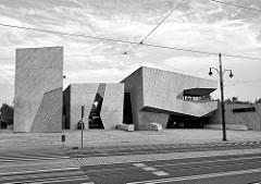 """Gebäude vom Kultur- und Kongresszentrum Jordanki - Mehrzweckkonzert- und Kongresshalle in Toruń. Eröffnet 2015 - Architektur  Fernando Menis  / Büro """"MenisArquitectos SLP""""."""