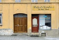 Leerstehender Geschäftsraum, Ulla's Schlemmertreff - Michaels Fleischerei, Inh. Max Löwe - Architektur in Schildau.