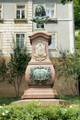 Büste, Denkmal für Johann Friedrich Böttger in Meißen; Miterfinder des europäischen Hartporzellans.