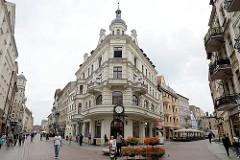 Eckgebäude im Baustil der Gründerzeit - Fussgängerzone in der Innenstadt von Toruń.