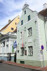 Wohnhaus / Giebelhaus eines ehem. Ratsherrn in Pärnu - historische Architektur der Stadt, erbaut 1674 - jetzt Haus der Künste.