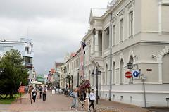 Fussgängerzone, Einkaufsstrasse Rüütli in Pärnu -