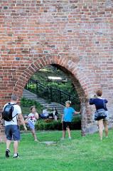 Reste der Burgmauer - Burg Allenstein, Deutschordensburg - im Ursprung 1360 errichtet.